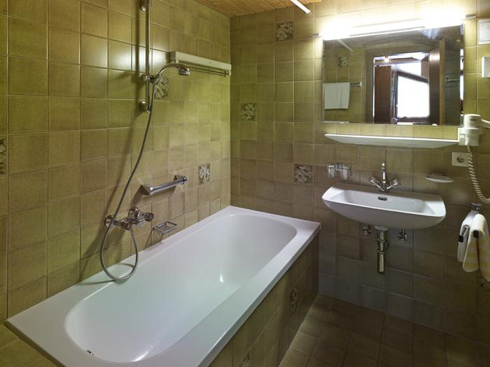 Appartement 11 r fikopf appartementhaus holiday chalet for Badezimmer yedisu